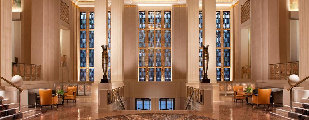 De balconista a gerente do hotel mais luxuoso de NY, esse é o poder da marca pessoal